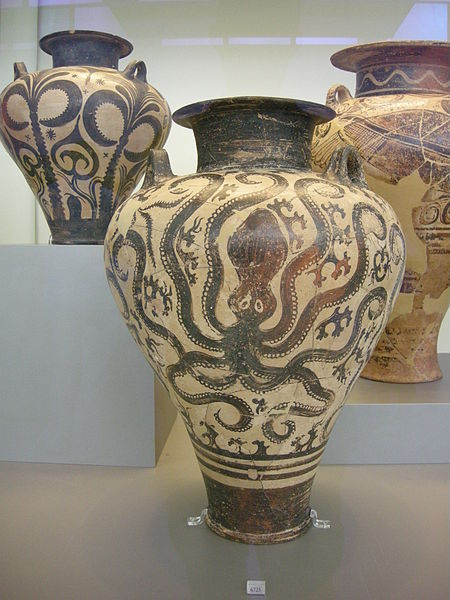 450px-Ancient_Greek_pottery_in_the_National_Archaeological_Museum_in_Athens_13